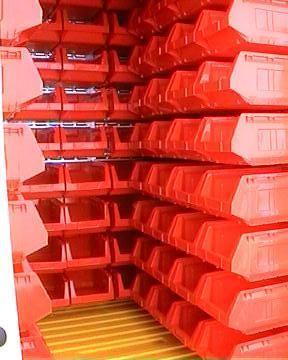 Műanyag dobozos megoldás